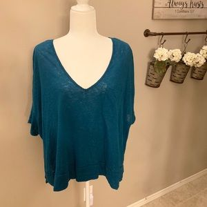 Free People Cut Out Back Top Size Large